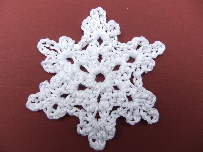 Helen B crchet for Christmas large starflake