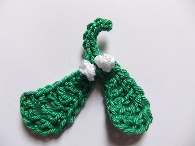 Helen B crochet for Christmas mistletoe